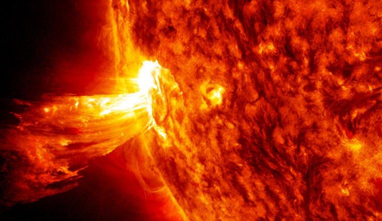 Магнитные бури. После вспышки на Солнце Землю накроет облако жгучей плазмы