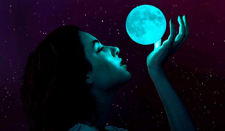 Лунный календарь на 2021 год: идеальное время для денег и любви