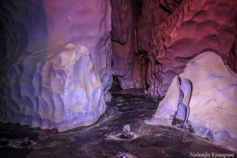 Опасная красота: в Челябинской области появился подземный каток с лабиринтом