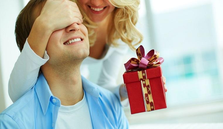 Подарки на Новый год 2021. Как не разориться в праздники