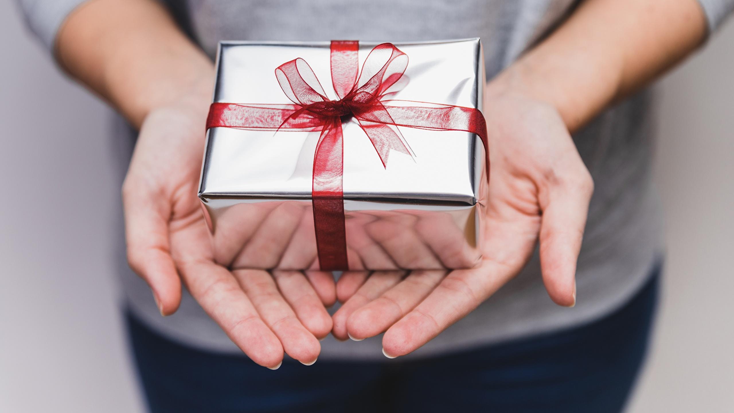 Несчастливые. Подарки, которые не стоит дарить на Новый год в 2021 году