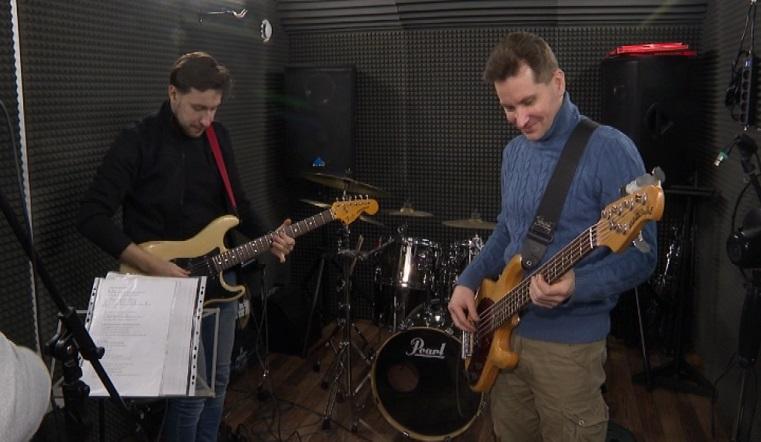 Музыка на высоте. Жители Челябинска сняли необычный видеоклип