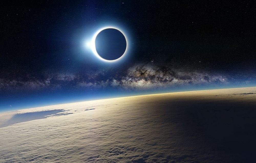 Затмение 2020. Чем опасно черное Солнце 14 декабря и как обнулить негатив