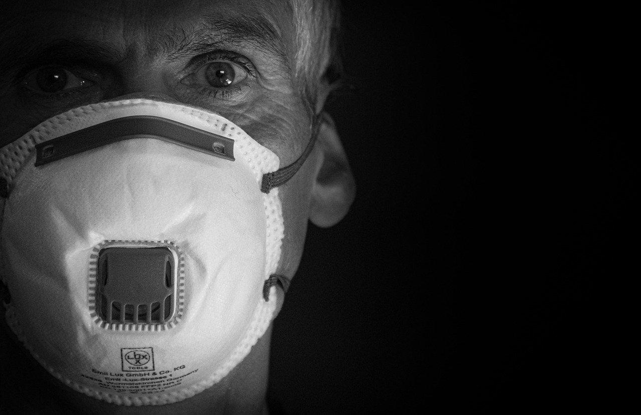 Ограничения из-за коронавируса продлили в Челябинской области