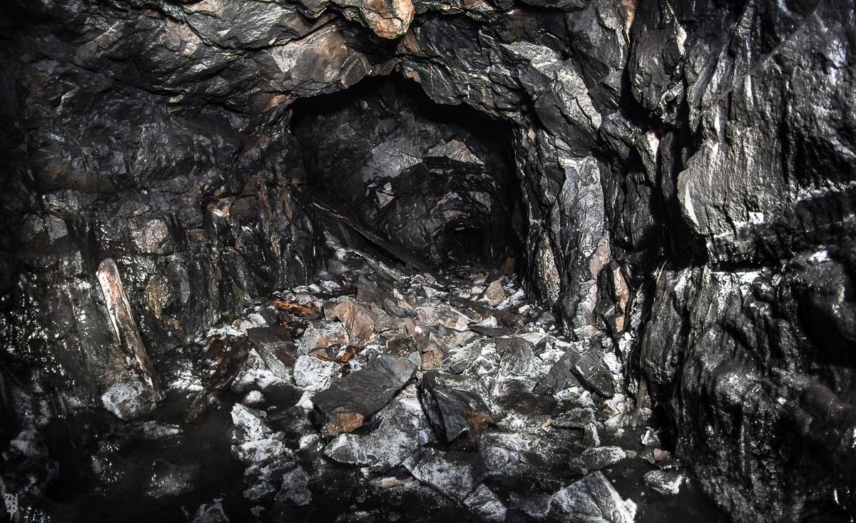 Уникальная шахта на Южном Урале превратилась в ледяное царство (ФОТО)