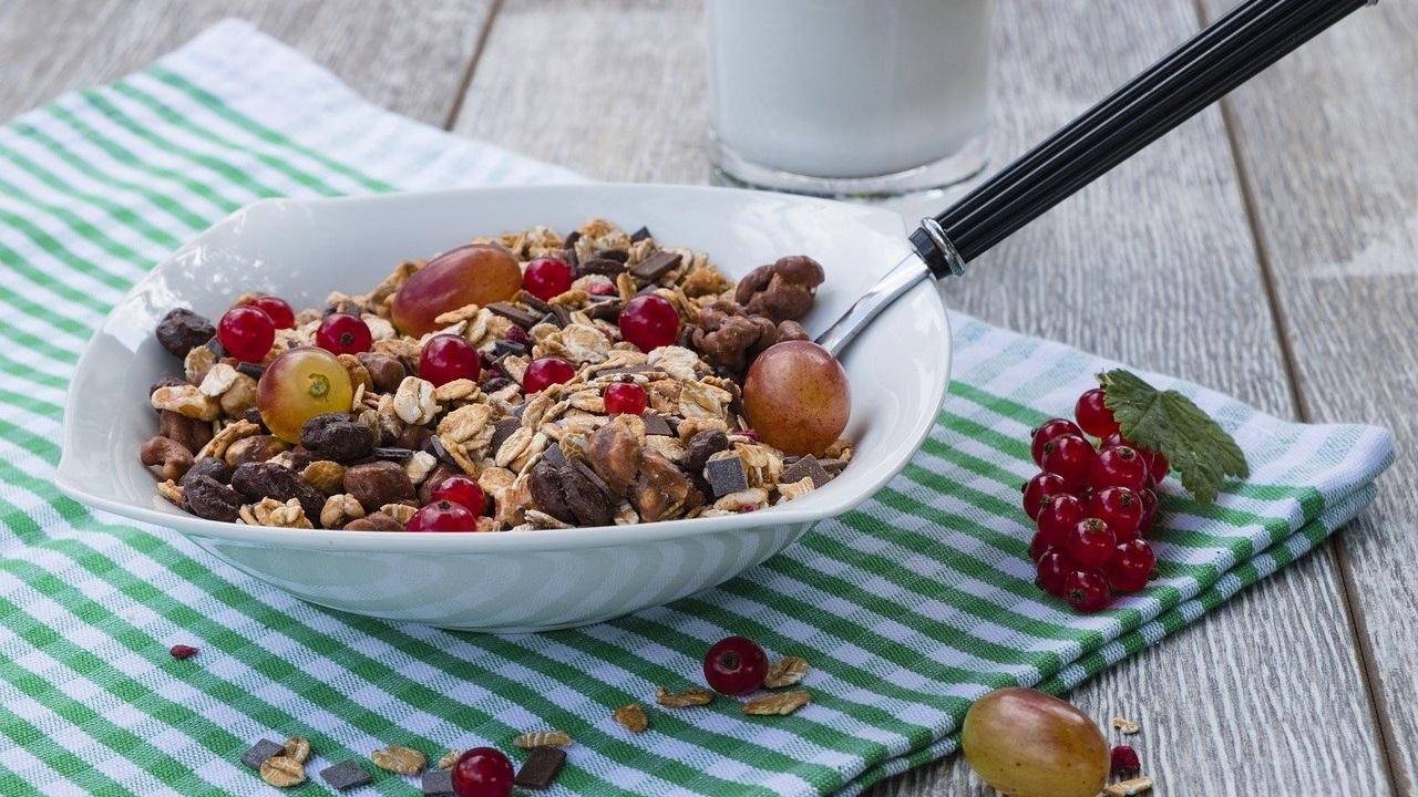 6 продуктов, которые опасны для здоровья и фигуры
