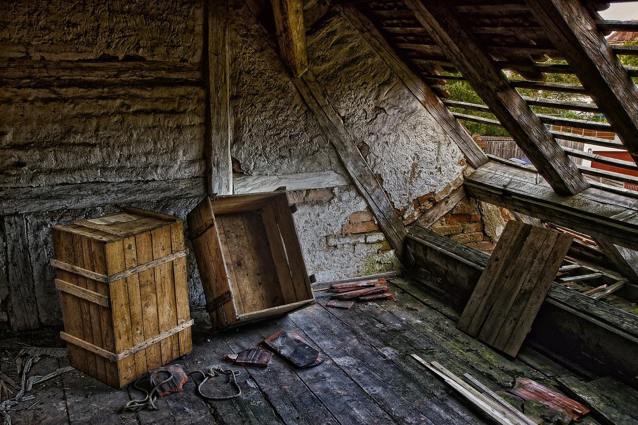 Многоквартирный дом на Урале на 3 месяца остался без крыши