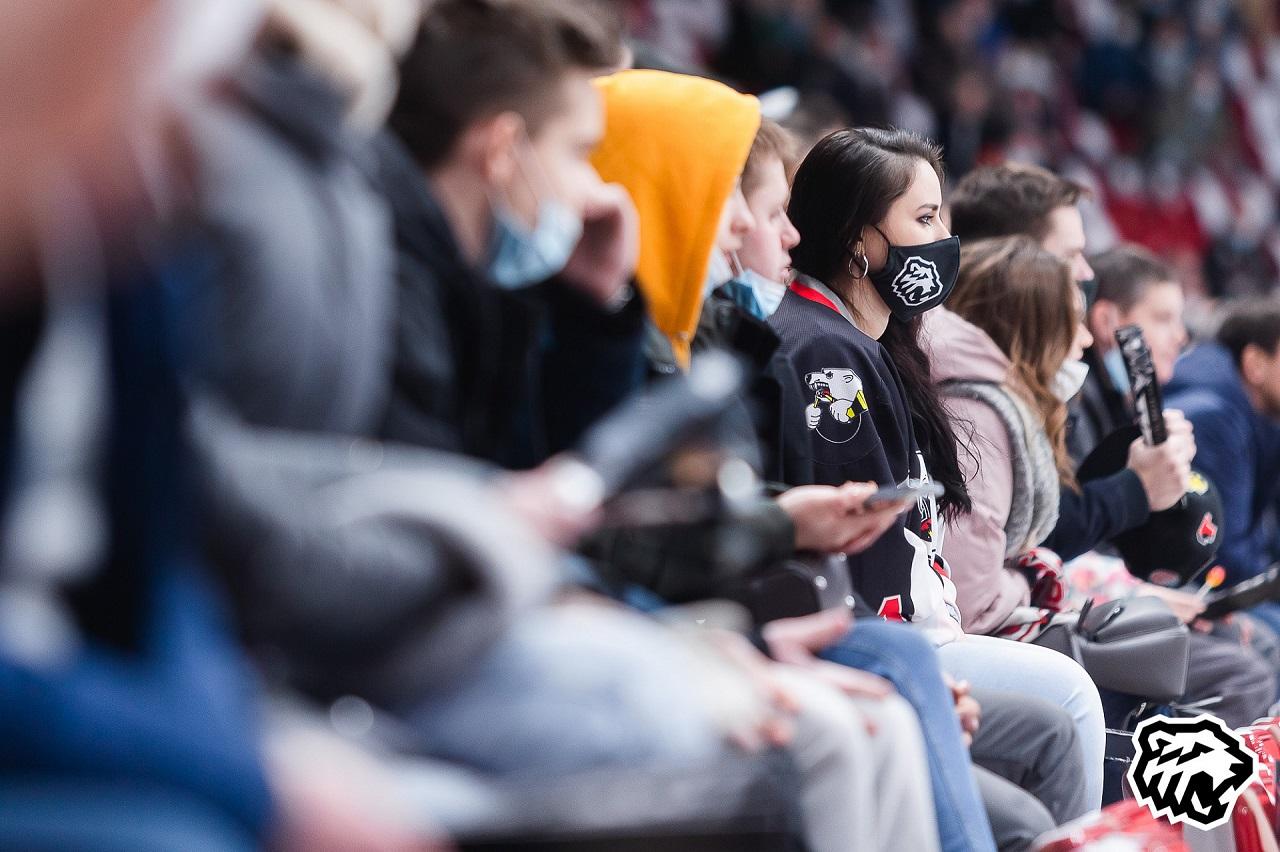Рабочие «шестеренки»: хоккейный клуб «Трактор» готовится к плей-офф