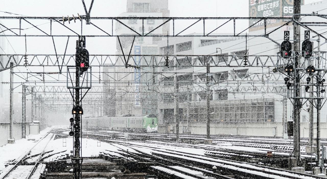 Жители Челябинска оказались отрезаны от мира железной дорогой
