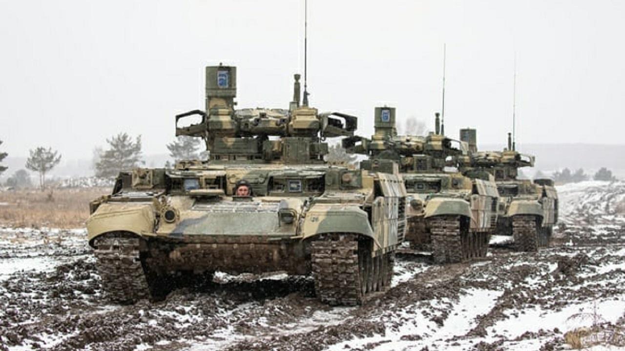 """Боевые """"Терминаторы"""" прошли испытание на полигоне в Челябинской области"""