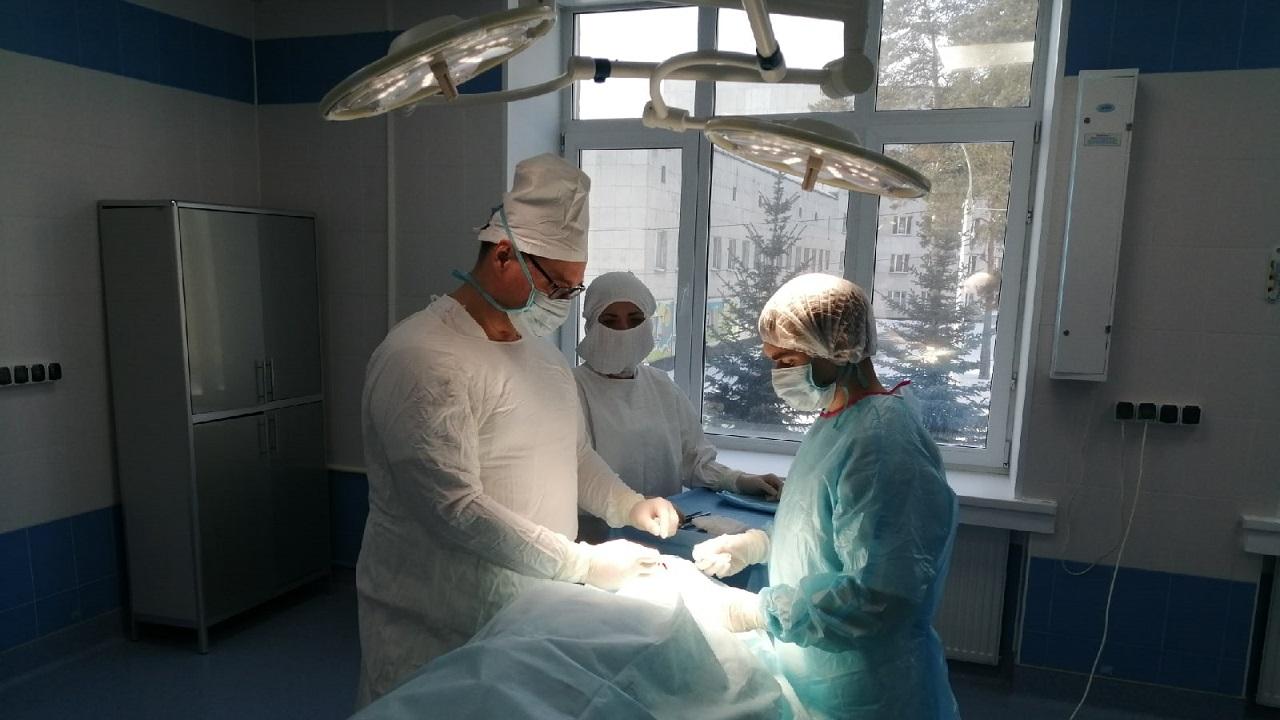 Сказочное преображение: в Челябинске хирурги удалили огромную опухоль на лице