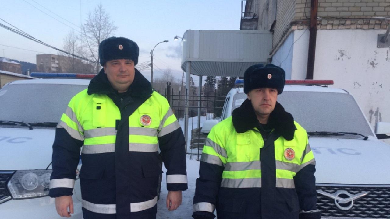 Чуть не замерз насмерть: полицейские на Южном Урале спасли мужчину
