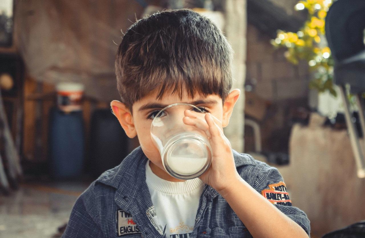 «Проверьте у своих детей»: школьникам Челябинска выдавали опасное молоко