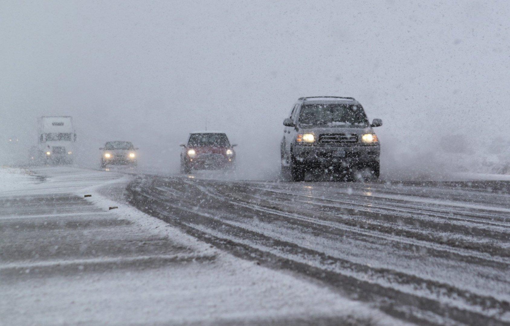 «Ничего не видно». Водители показали, что творится на трассах в Челябинской области