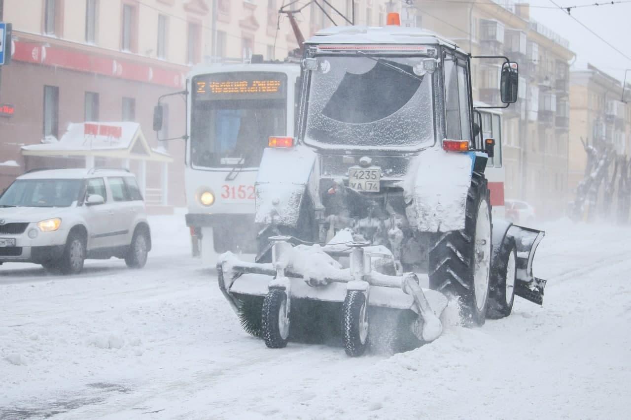 Как Челябинская область выживает в снежную бурю, и куда звонить при ЧС