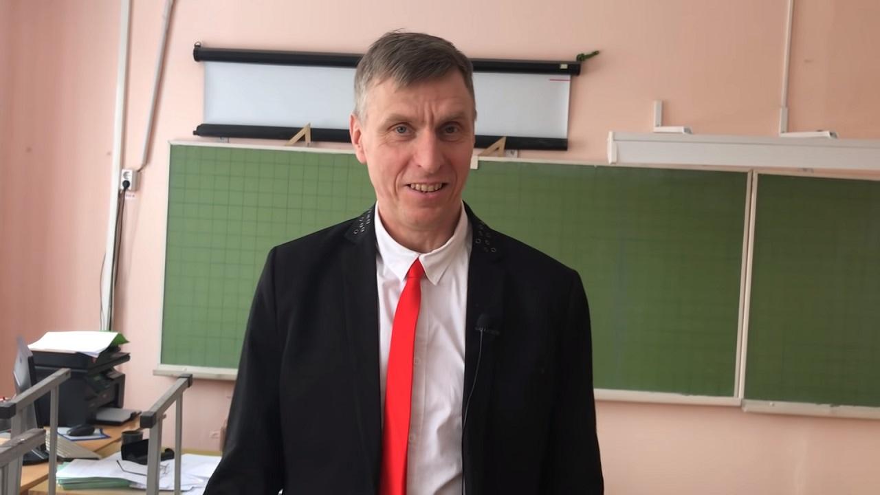Челябинский учитель стал знаменитым тиктокером