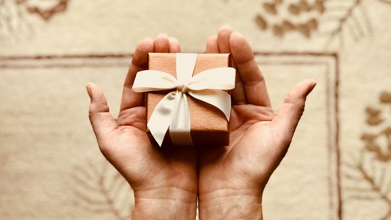 Идеи на 23 февраля и 8 марта: какие цифровые подарки выбирают в Челябинске