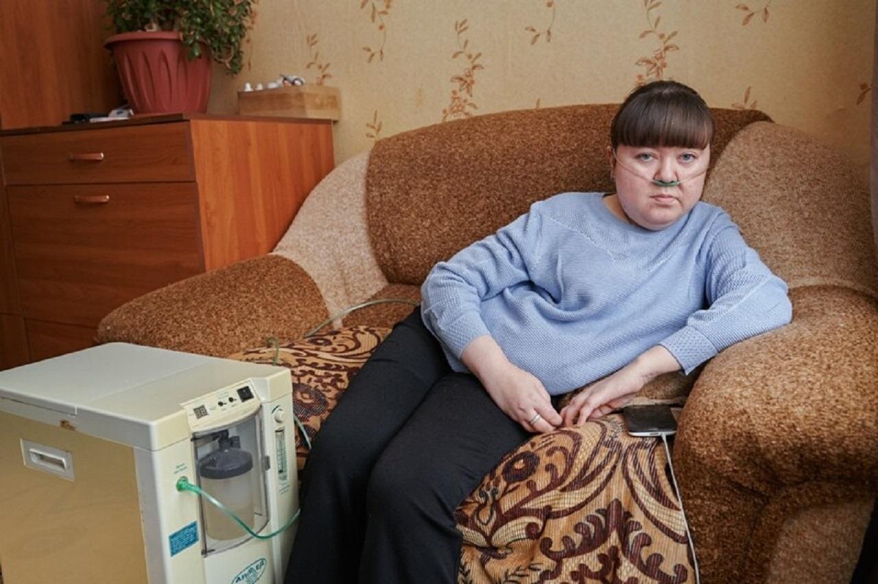 """""""Не могу дышать"""": жительница Южного Урала страдает от редкого искривления позвоночника"""