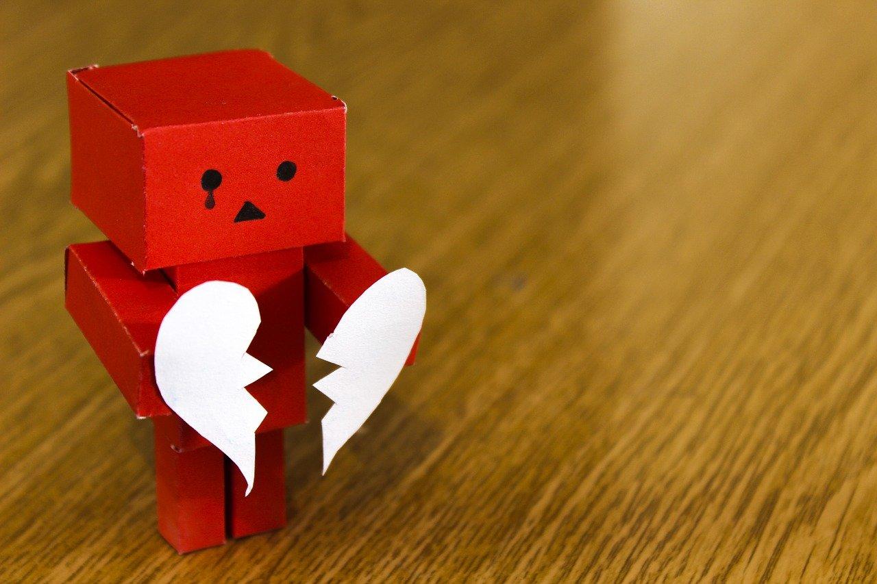 Психологи назвали 5 слов, которые могут разрушить отношения