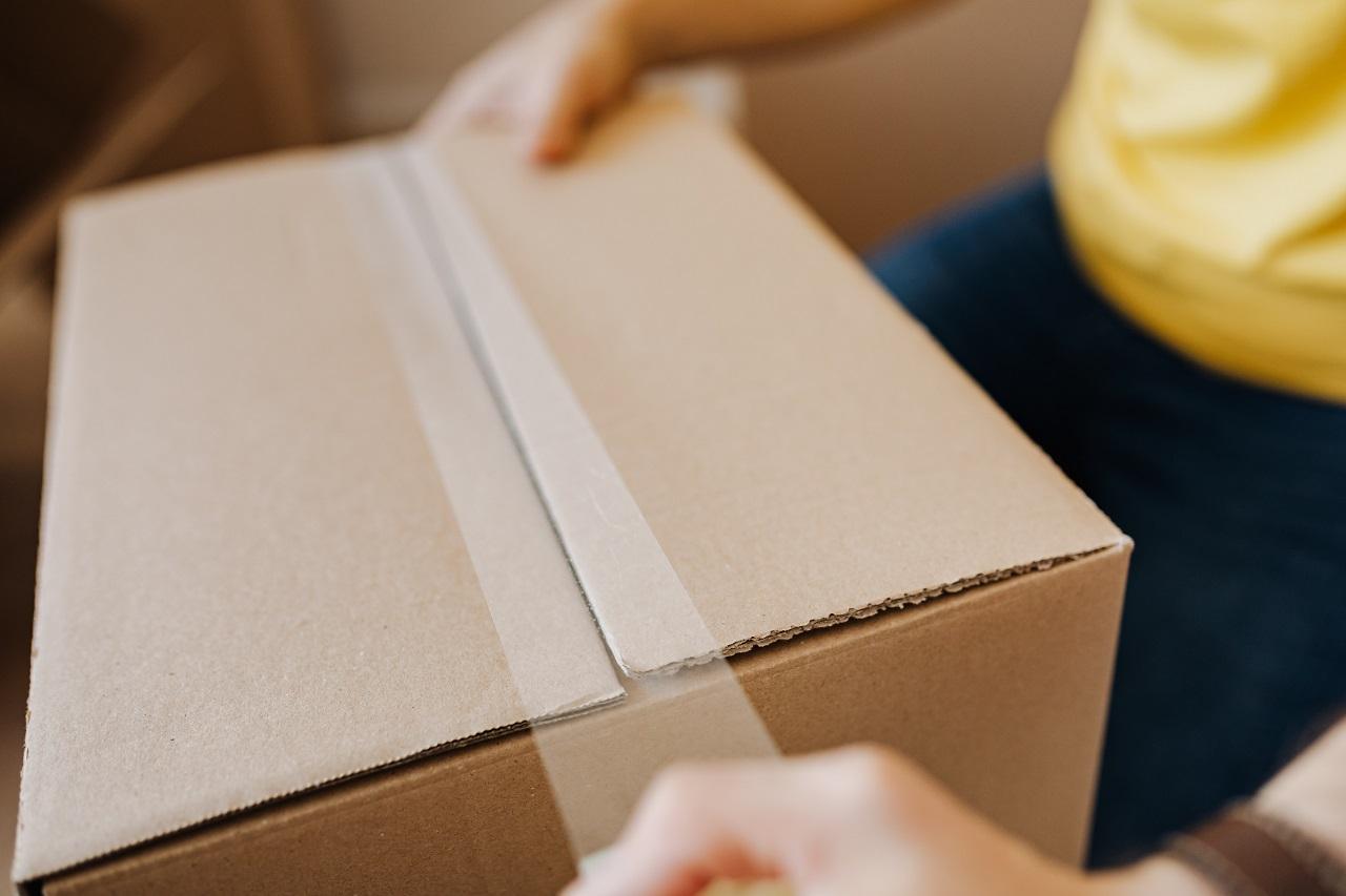 Воздух в коробке: как жительница Челябинска разоблачила обман интернет-магазина