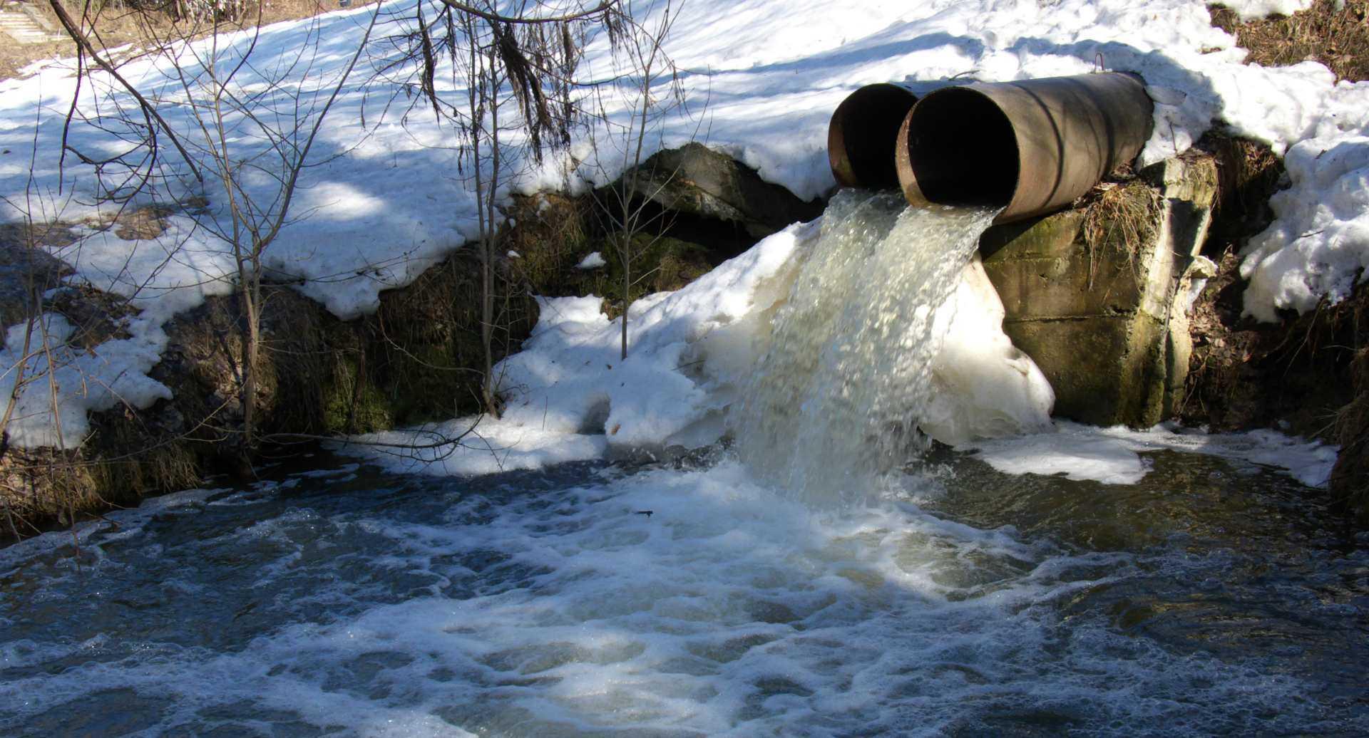 8 нелегальных стоков на реке Миасс обнаружили экологи