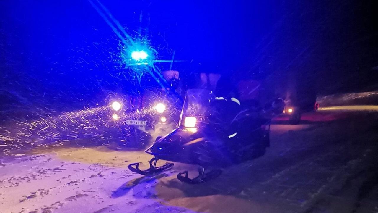 На Урале спасли 40 рыбаков, замерзавших в метель на льду