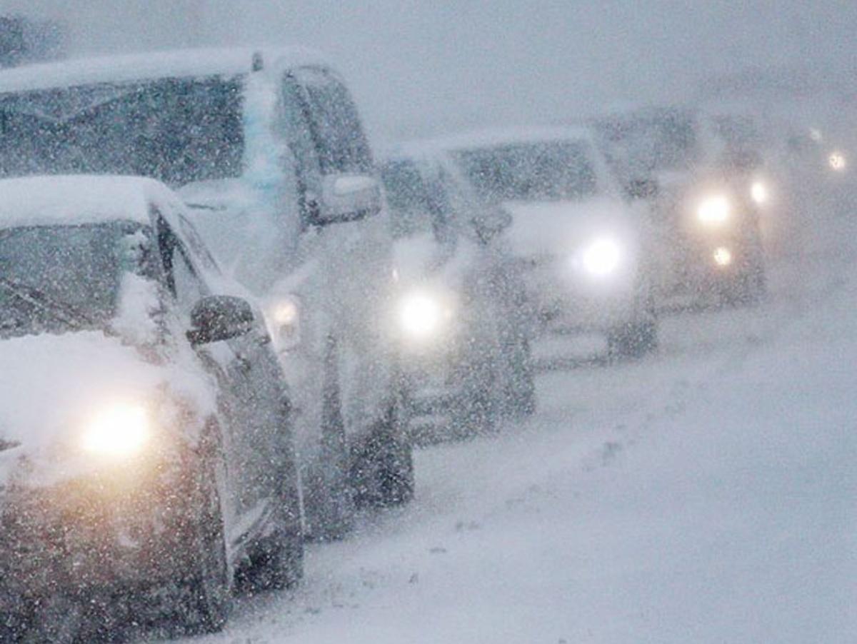 Заметает дороги: снежная буря накрыла Челябинскую область