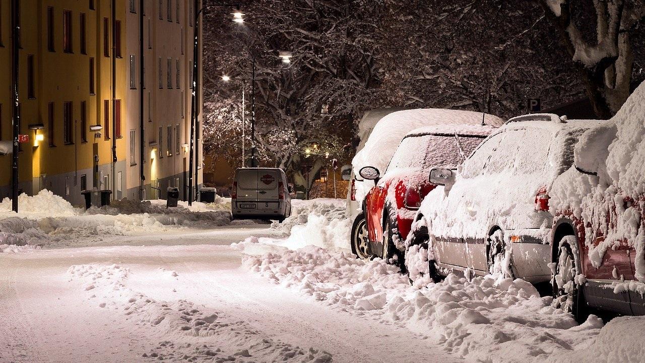 По новым технологиям: в Челябинске показали технику для уборки снега