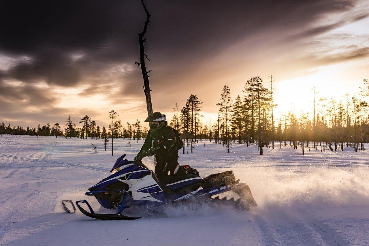 Аномально много снега: село на Южном Урале стало Меккой для экстремалов