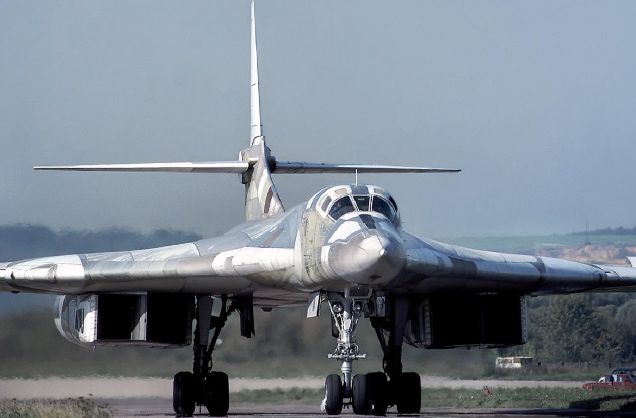 В Челябинске воссоздали самый большой боевой самолет в мире