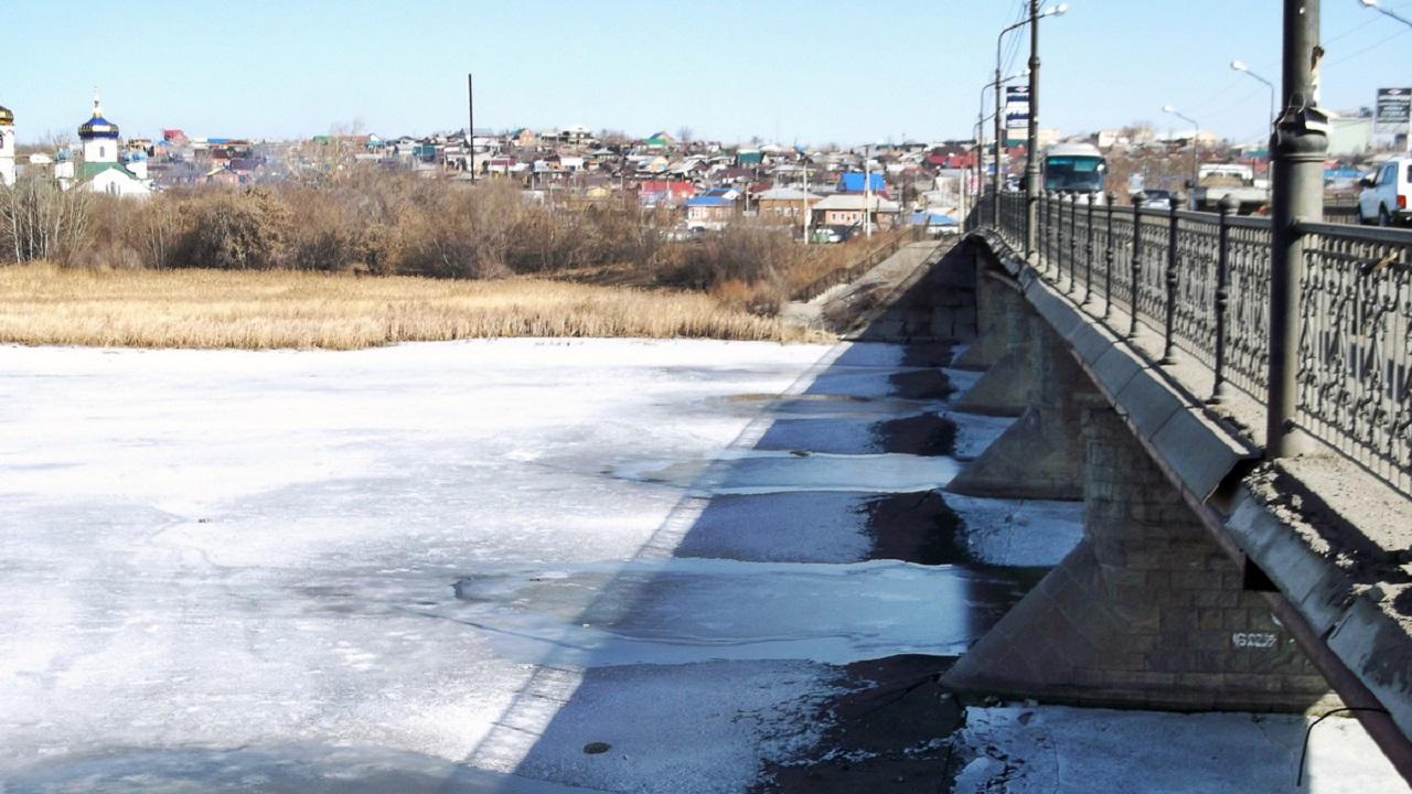Потеряла сознание: в Челябинской области на льду реки обнаружили ребенка