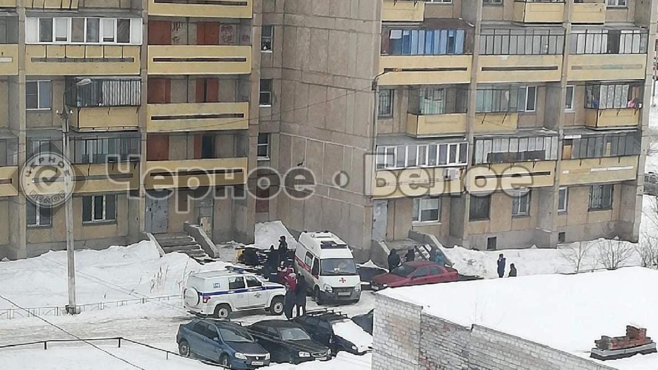 12-летняя школьница упала с балкона в Челябинской области