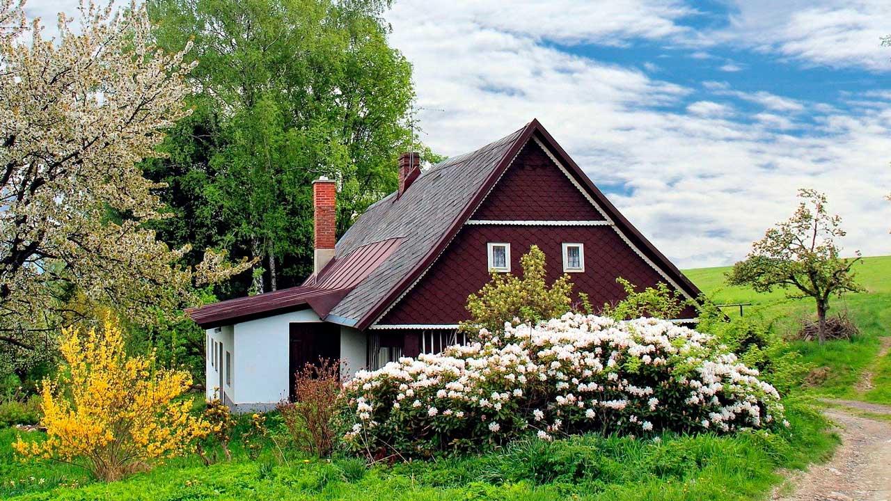 «Раскупили даже сараи»: эксперты рассказали о ценах на дачи в Челябинской области