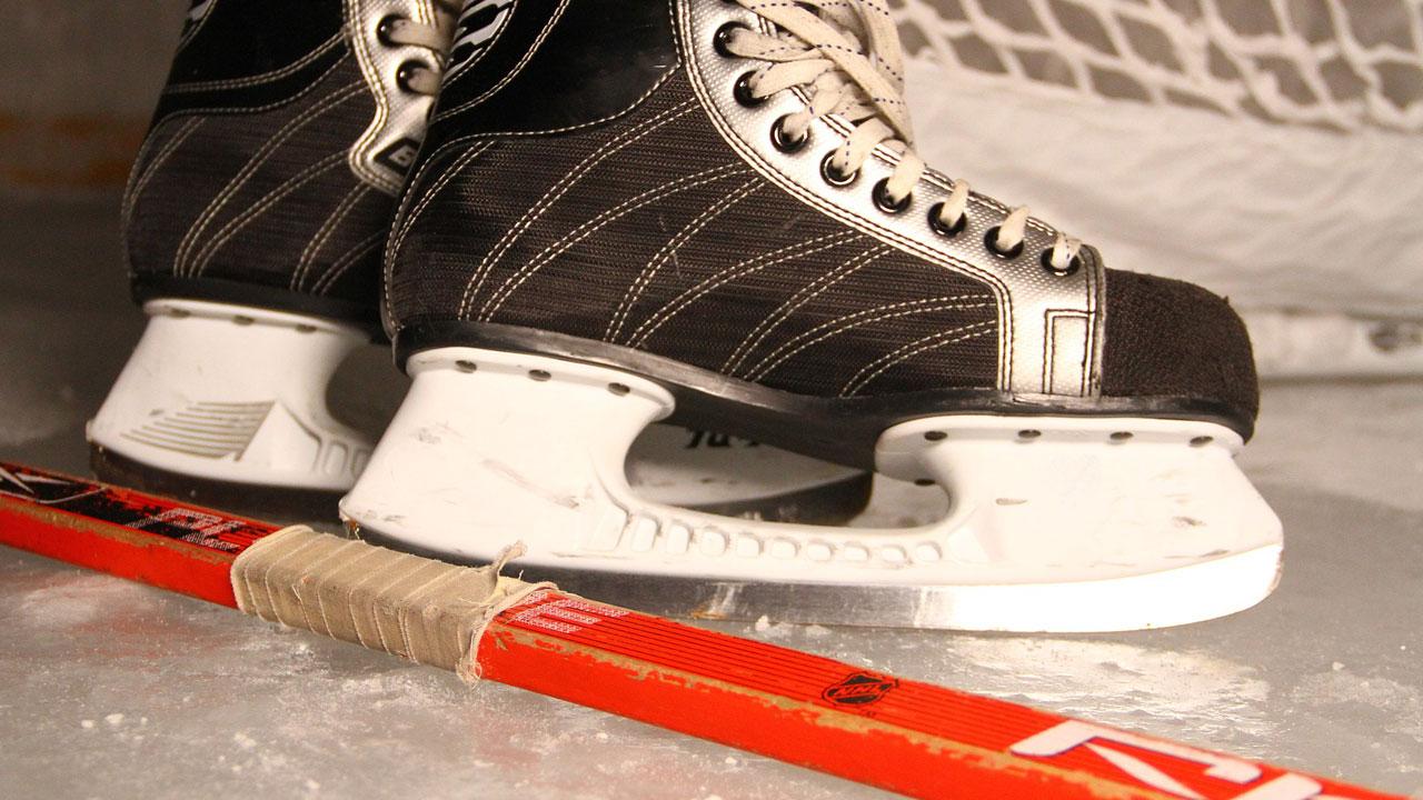 Хоккей — в массы: в Магнитогорске прошел турнир среди дворовых команд
