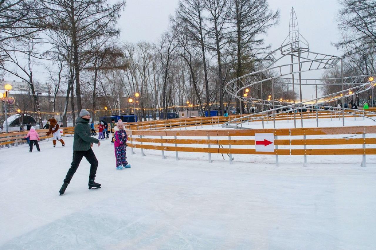 Школьники Челябинска смогут попасть на каток бесплатно