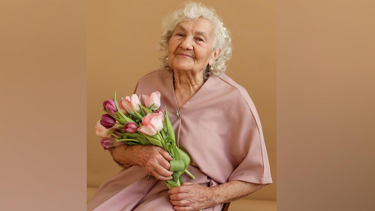 Модель на пенсии: бабушку из Челябинской области отметил знаменитый модный журнал