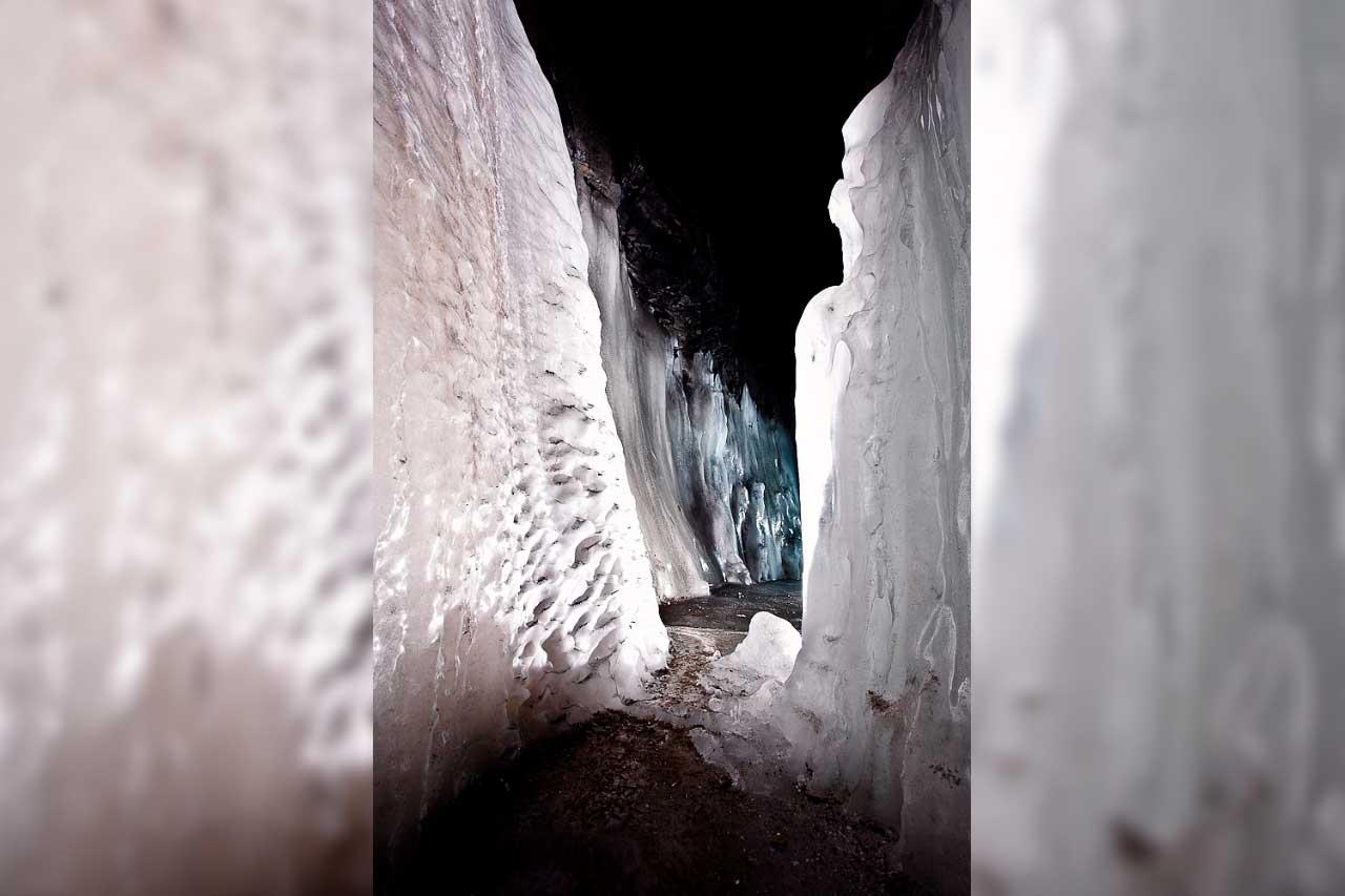 Царство ледяных скульптур: на Урале показали Дом Снежной королевы