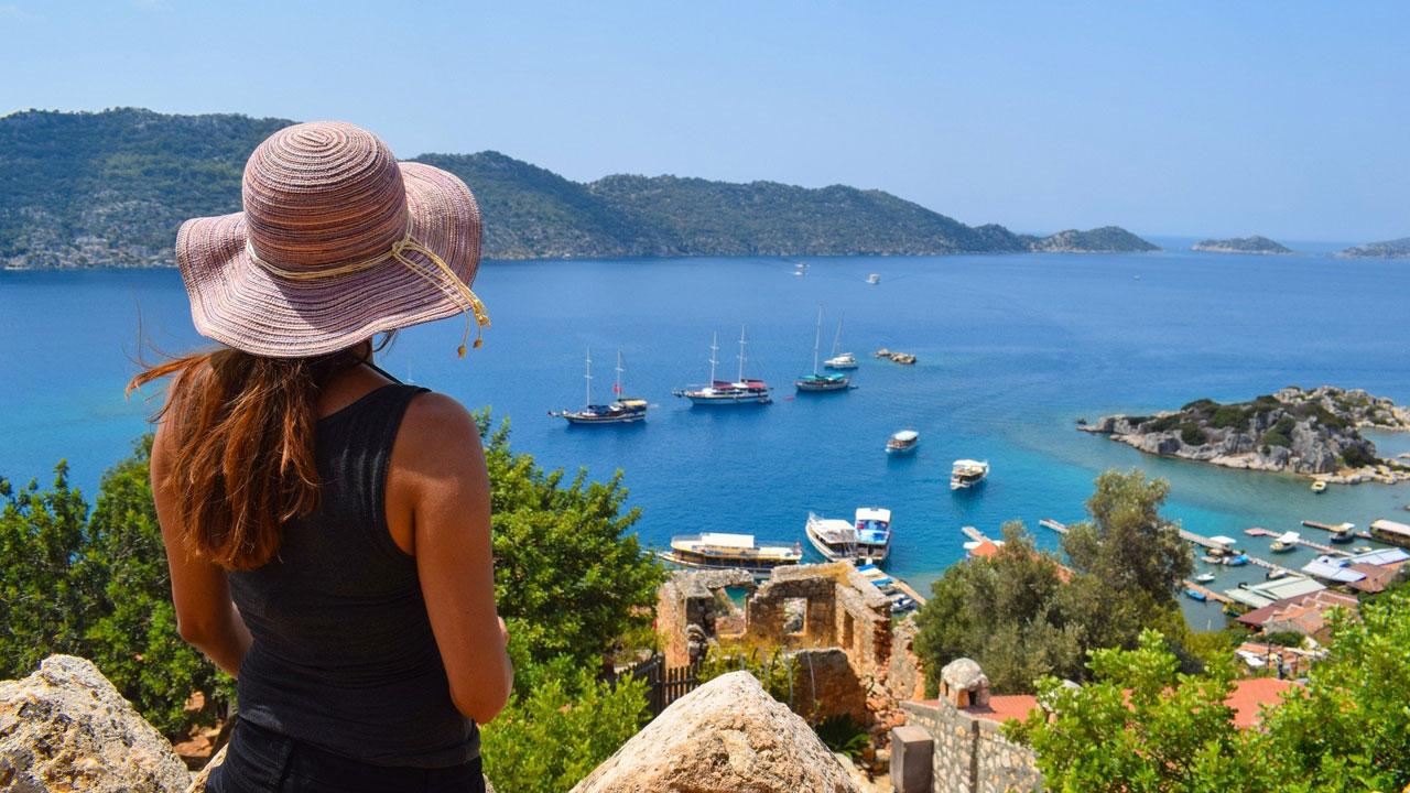 Весна и лето на Средиземном море: стали известны цены на туры