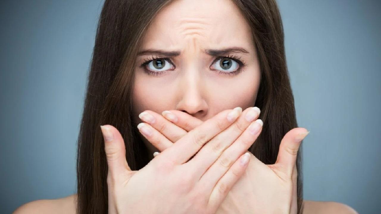 Распознать и уничтожить: 5 причин неприятного запаха изо рта