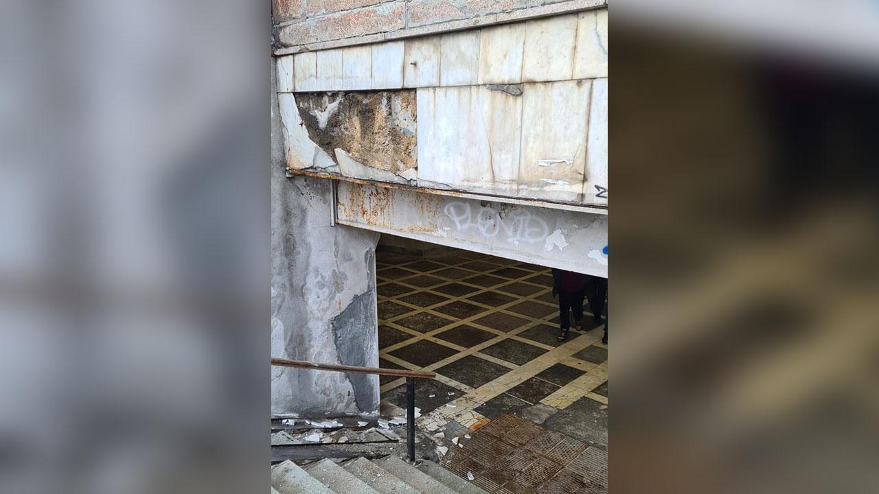 """Не спуститься: в центре Челябинска ограничили вход в """"подземку"""""""