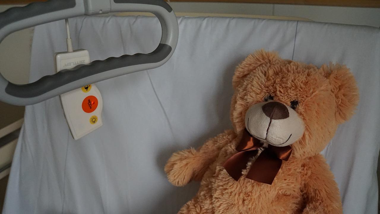 Разрушает органы: ребенок из Челябинской области борется с тяжелым заболеванием