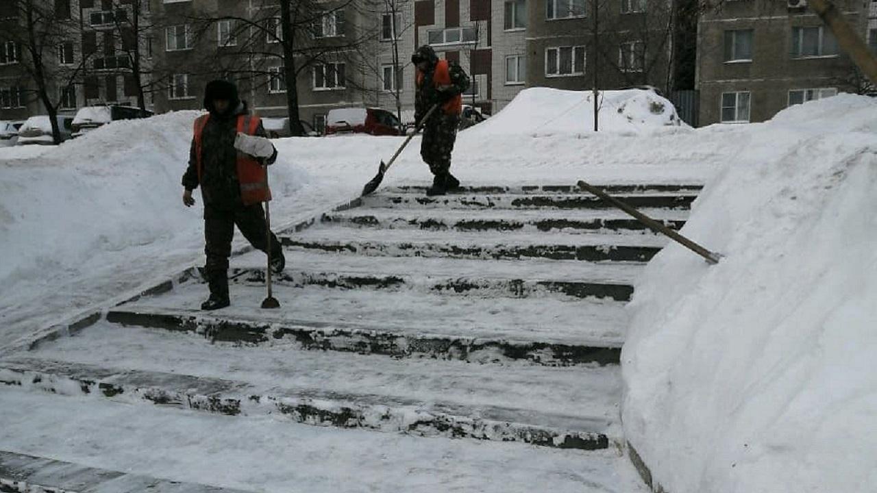 В авральном режиме: как Челябинск справляется с последствиями снежной бури