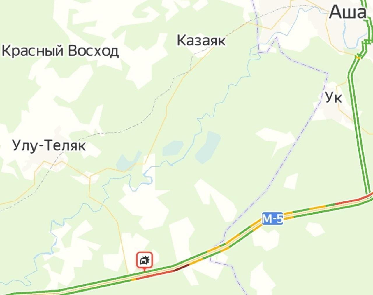 Фура вспыхнула: из-за ДТП на трассе в Челябинской области образовался затор