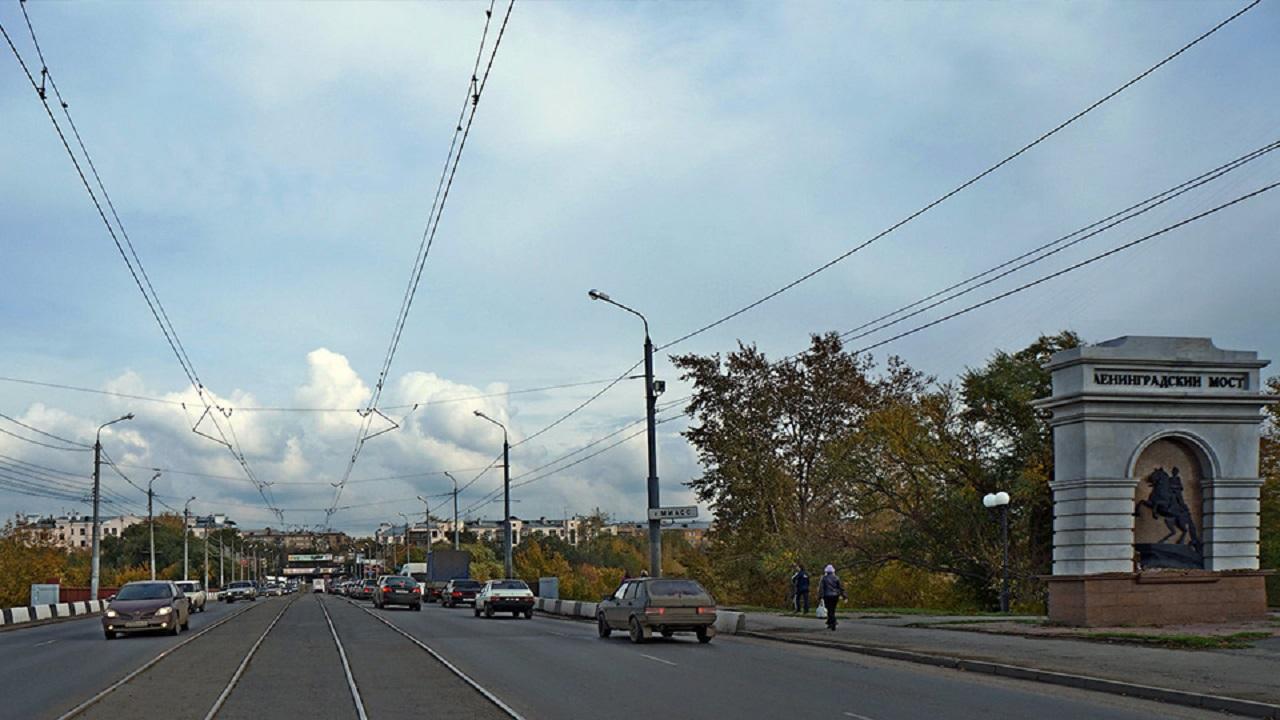 Ремонт Ленинградского моста в Челябинске: где перекроют движение транспорта