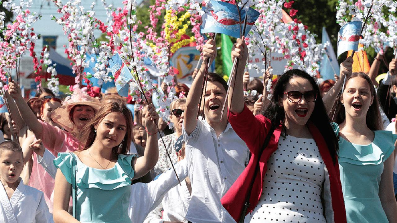 Большие весенние каникулы: Президент Путин объявил выходными с 1 по 11 мая