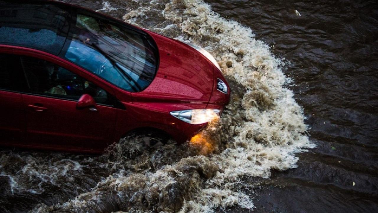 Затопило дороги: в Челябинской области реки выходят из берегов