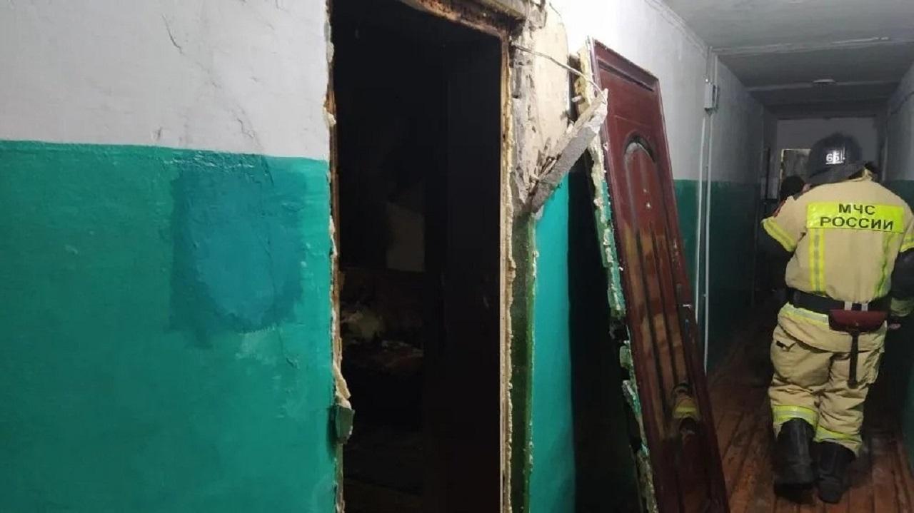 Огненная ловушка: 34 человека оказались в горящем доме в Челябинской области