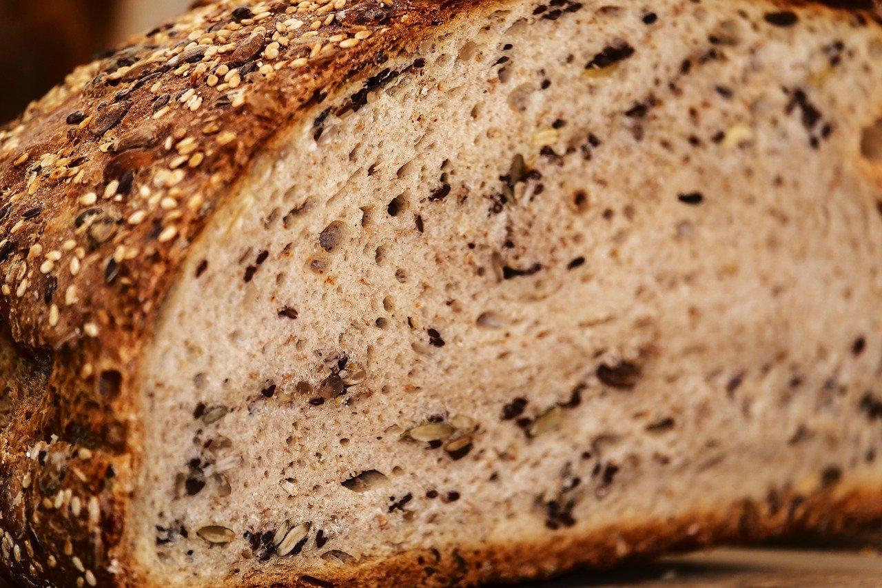 Диетологи рассказали, как есть хлеб и не набрать лишний вес
