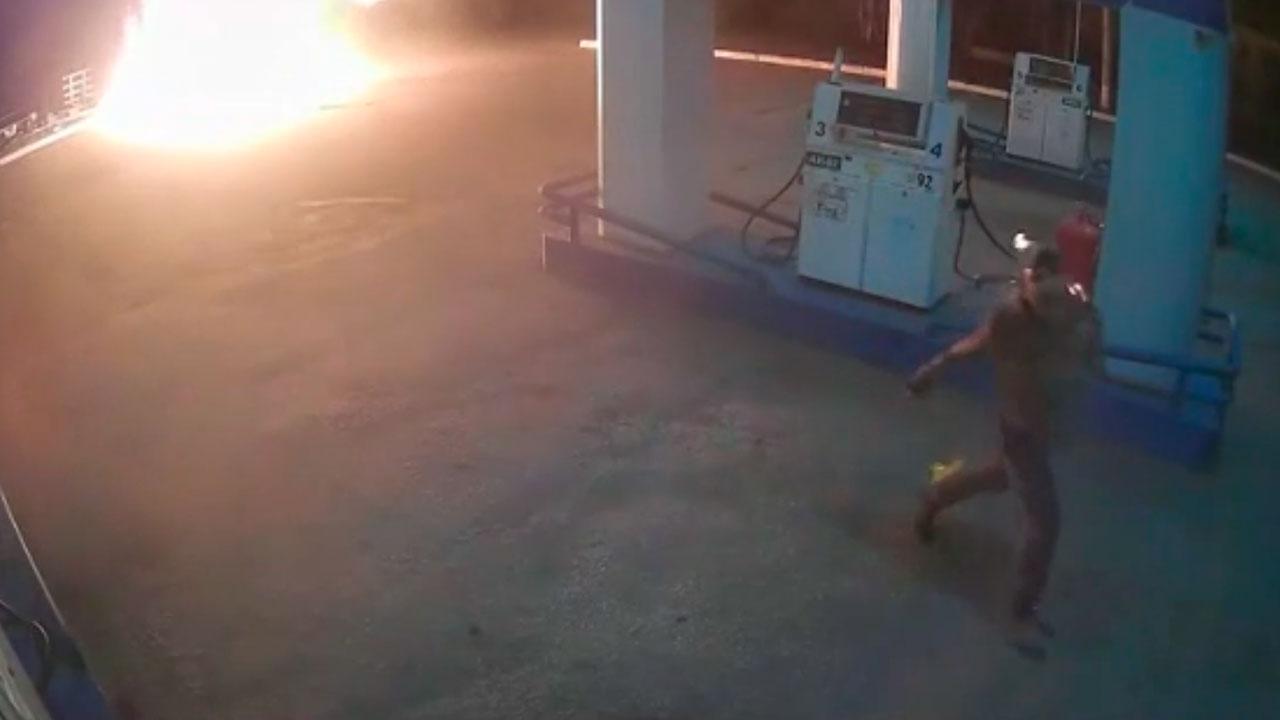 В Челябинской области мужчина поджег АЗС и вспыхнул сам ВИДЕО