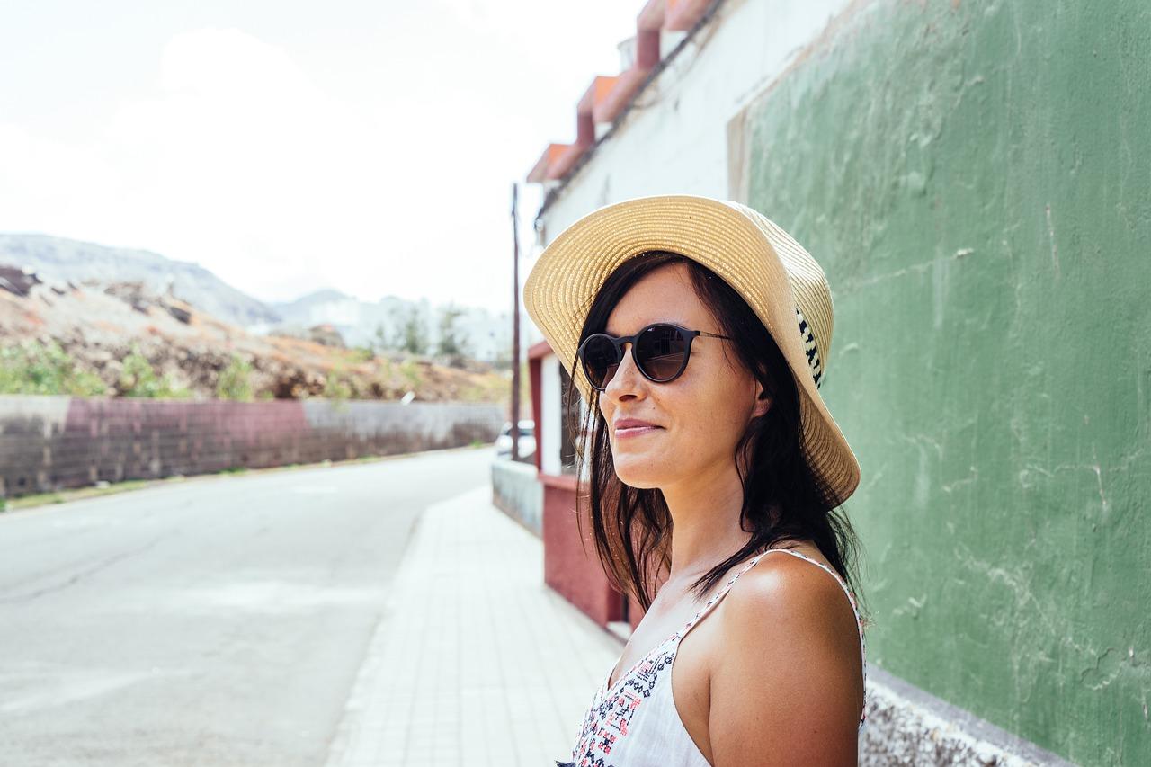 Опасное солнце: как правильно защитить кожу и глаза от ультрафиолета